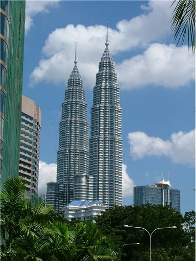 Picture Of Largest Buildings Petronas Towers Malaysia